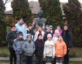 Koszorúzás a román költő születésnapján