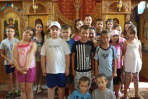 Erzsebet-taborozok-az-ortodox-templomban-2014-600x400
