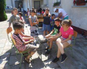 Madarat gyűrűztek, agyagoztak és labdáztak a körösszegapáti táborban